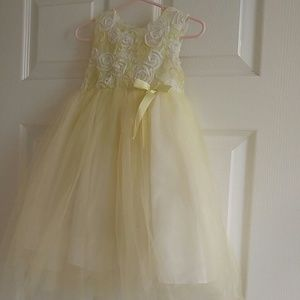 Little girl yellow and white tulle dress 24 months